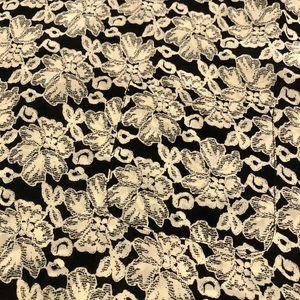 Trouve Tops - 🌸 Trouve 100% silk floral top s